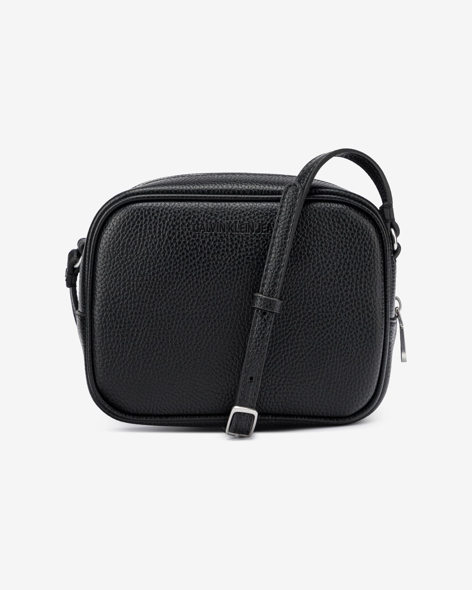 Calvin Klein fekete crossbody kézitáska Camera